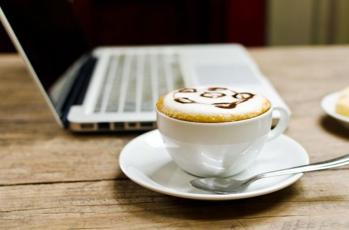 Blogging coffee cup_source:123rf.com
