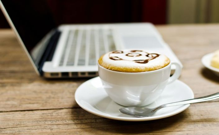 Blogging coffee cup_source:123rf.com